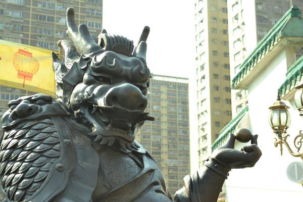 香港黄大仙祠露头塑像