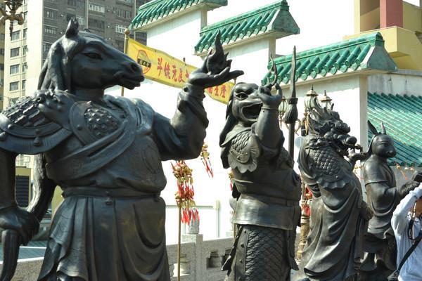 香港黄大仙祠十二生肖塑像