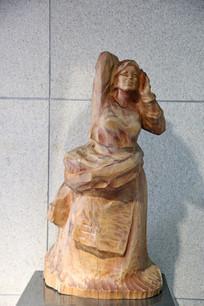 木雕藏族少女雕像