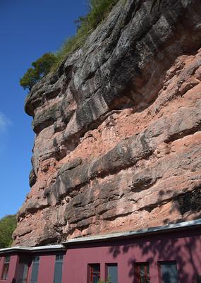 高大的岩石