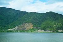 青山绿水风景图