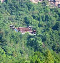 山腰上的寺庙建筑