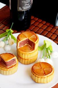 中秋节多个蔓越莓月饼拍摄图