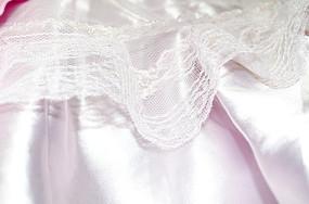 粉色蕾丝布料