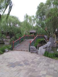 园林中的小桥一景