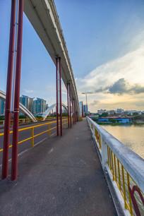 惠州水门大桥的人行道