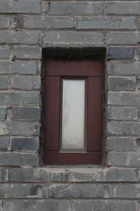 青砖墙上房窗户背景