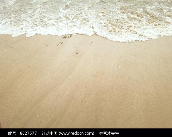 海浪沙滩图片