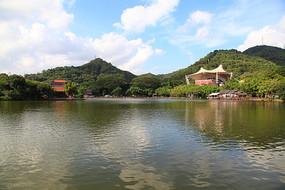 圆明新园湖景