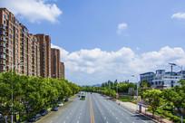 辽宁科技大学正门前公路