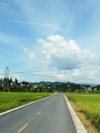 黎平公路与田园风光