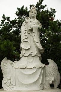 雕塑观音菩萨