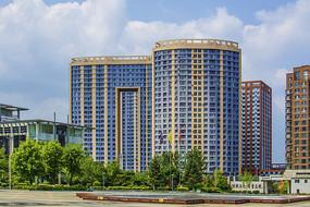 辽宁科技大学广场与宿舍楼
