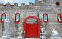 佛教城的红色大门