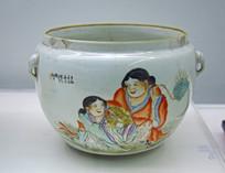 人物彩绘古代瓷器展示