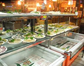 餐厅里丰盛的菜品