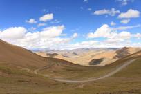 西藏的山峰山脉