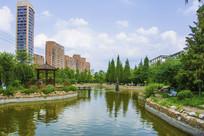 辽宁科技大学校园湖