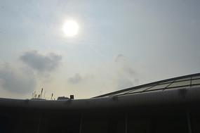 阳光 广州新体育馆建筑一角