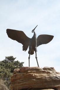 丹顶鹤铜雕像