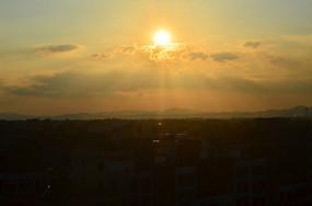 金色的太阳