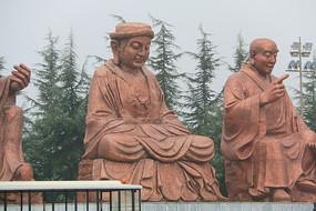法门寺步道旁金身罗汉像