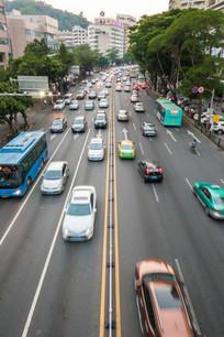 繁忙的道路交通