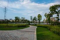 红楼滩公园的小路景色