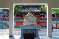 弥勒佛坐像