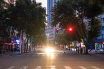 清晨的麦兴路十字路口