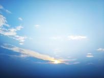 蓝色天空霞光