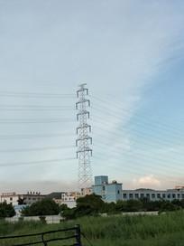 远处的电线塔