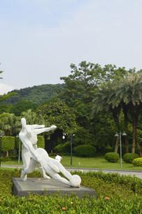 运动员白色雕塑