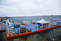海边浮游码头