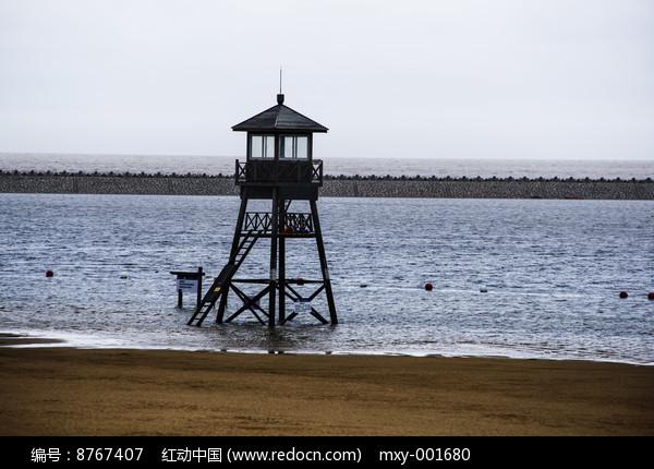 海滩瞭望台图片