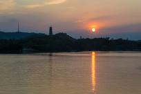 夕阳落日下的惠州西湖