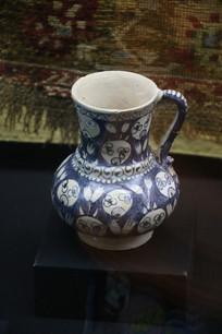 罗马尼亚陶瓷手绘蓝花单耳罐