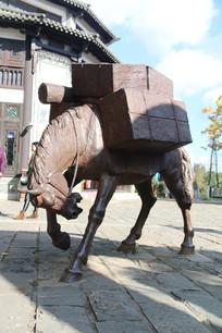 茶马古道驮茶砖的马雕塑