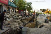 修建中的柏油马路