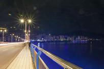 大桥与城市夜景
