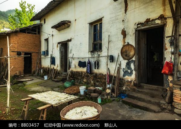 徽派建筑的土墙房图片