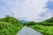 千山积翠山公路与山峰山林