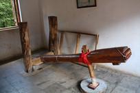 傣族村寨舂米的工具