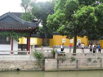 大运河畔的寒山寺