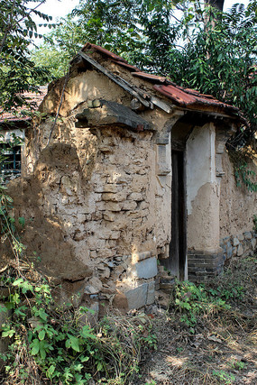农村破旧房子