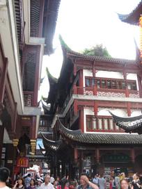 城隍庙的阁楼与人群