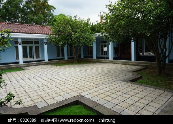 大溪蒋经国陵寝庭院