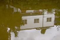 水中倒影建筑
