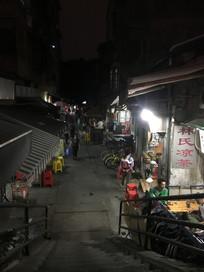广州海珠区同福路老街商铺