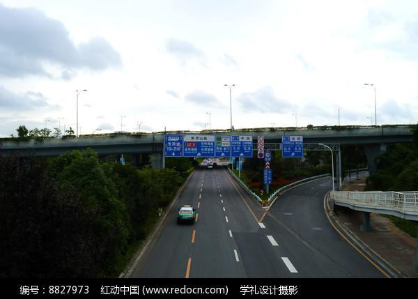 立体交通叉路口图片